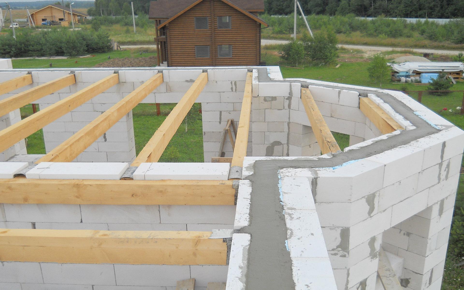 Строительство коробки дома из пеноблока под ключ в Киеве