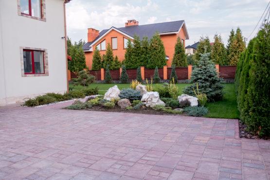 Дом и двор 4 - Реализованные проекты